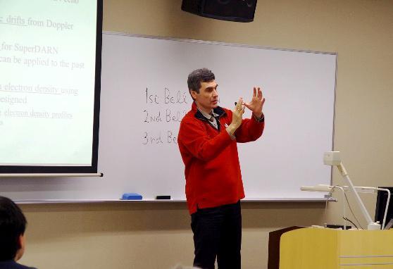 Dr. Ponomarenko (Univ. of Saskatchewan, Canada / ISEE, Nagoya Univ.)