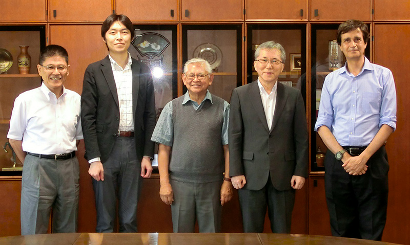 Oscar H. Ibarra, an eminent academic from UC Santa Barbara, visits UEC, Tokyo
